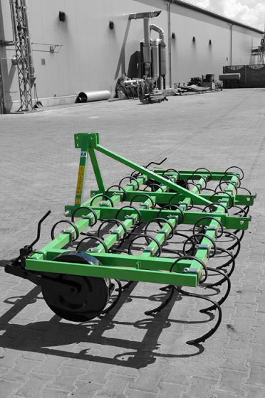 Bomet S-tand cultivator