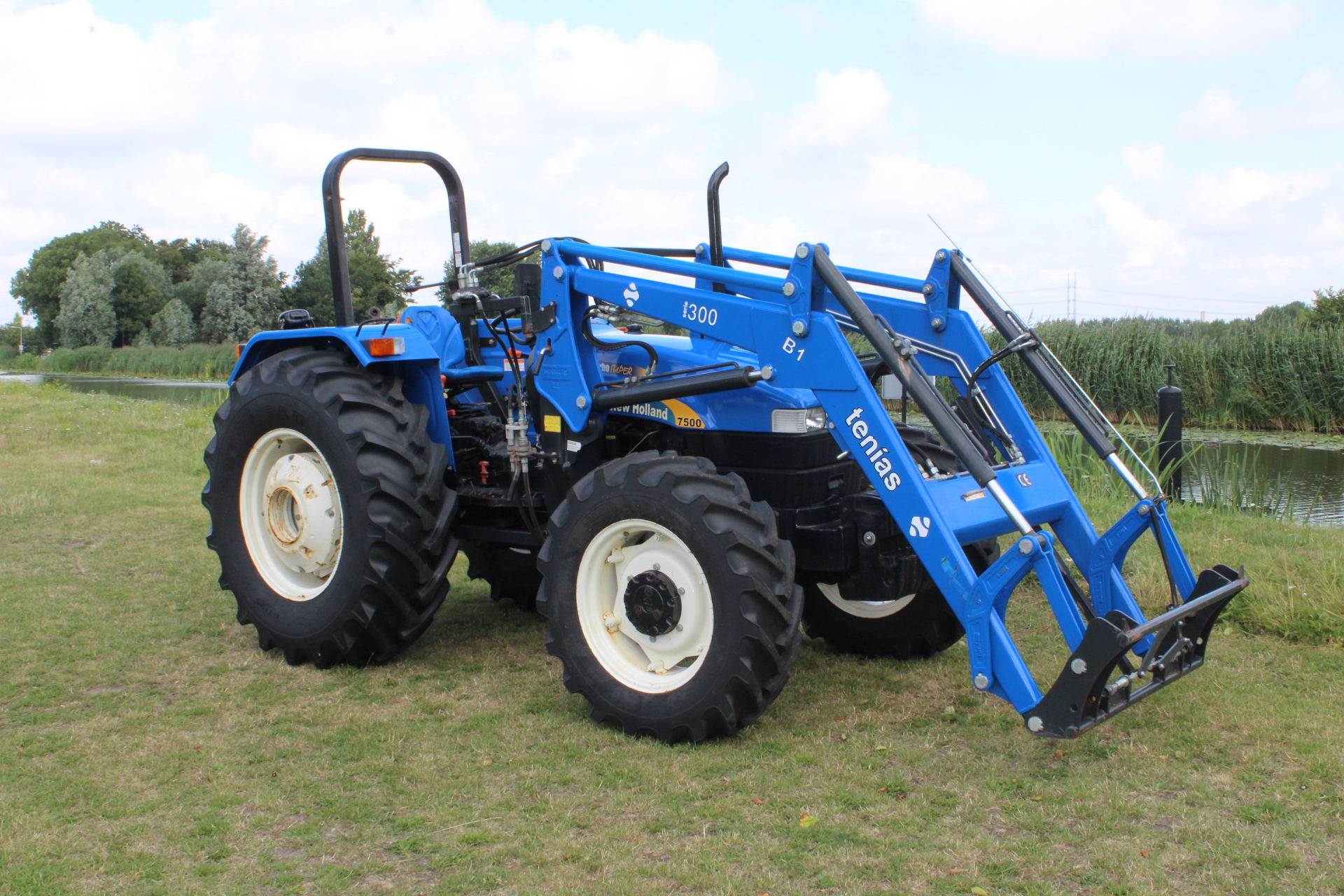 New Holland 7500 DEMO met voorlader