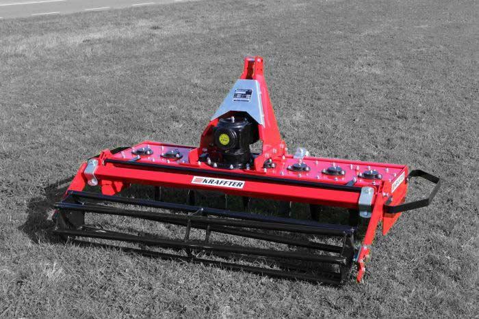 Kraffter Rotoreg 170 met buisrol